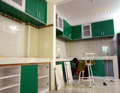 Model Kitchen Set Hijau Minimalis Kampung Timur Balikpapan