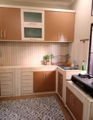 Refinishing Kitchenset Minimalis Modern di Balikpapan